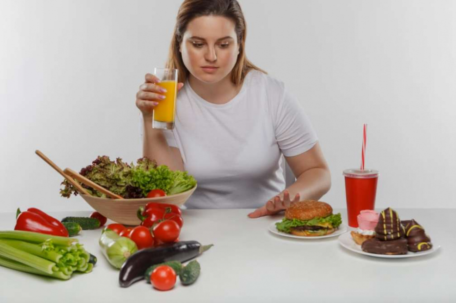 ダイエットする女性1
